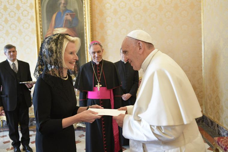Newly-appointed American Ambassador to the Holy See Callista Gingrich presents credential letters to Pope Francis on December 22, 2017 in Vatican City.