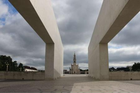 Portugal's Catholic Bishops Suspend Public Masses Amid Rising COVID-19 Cases