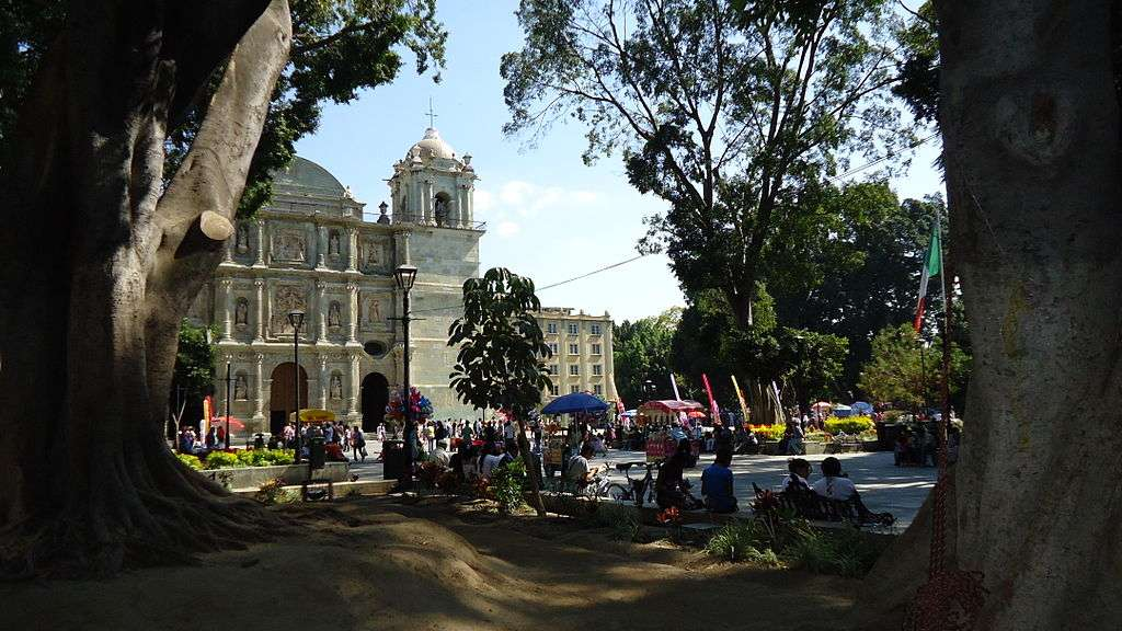 Feminists Attack, Desecrate Church in Oaxaca