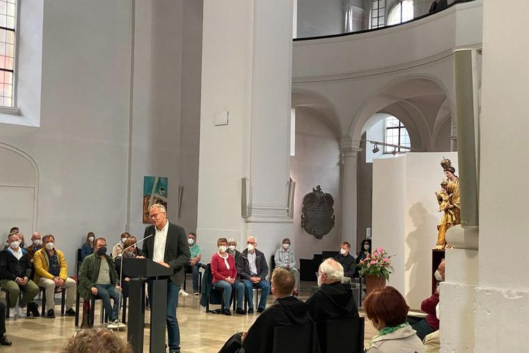 """Defying the Vatican, ministers in St. Augustin Catholic church in Wurzburg, Germany, held a """"blessings service"""" for homosexual unions and other couples on Monday, May 10th."""