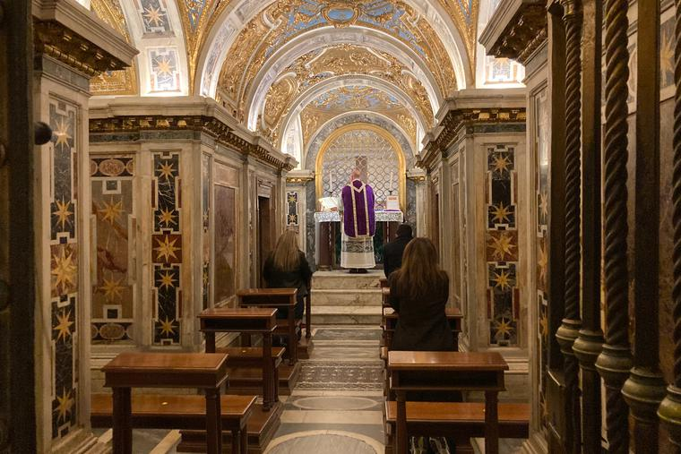 Mass in the Extraordinary Form in the Clementine Chapel on March 22, 2021.