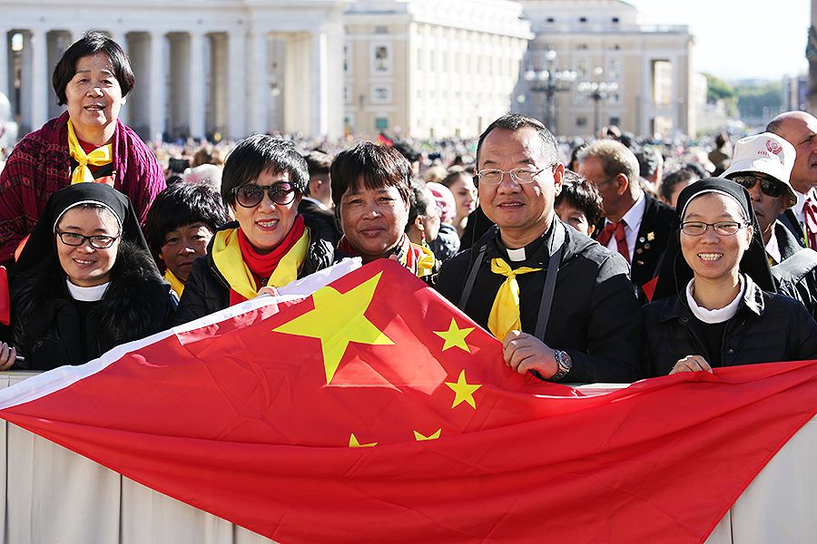 Chinese pilgrims attend the general audience in St. Peter's Square, Oct. 12, 2016.