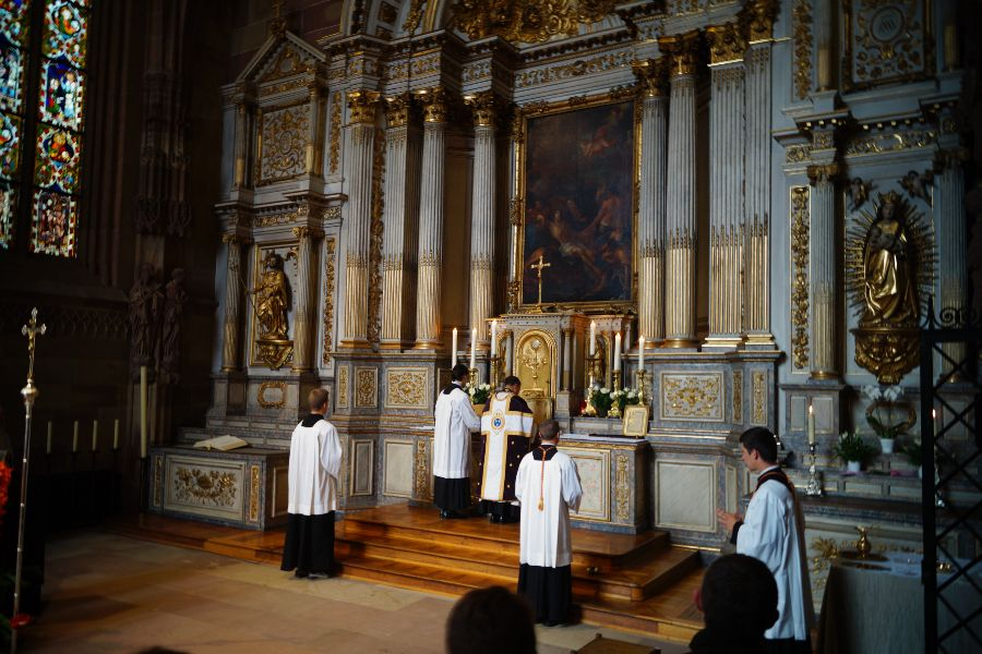 Tridentine Mass in Strasbourg Cathedral, France.