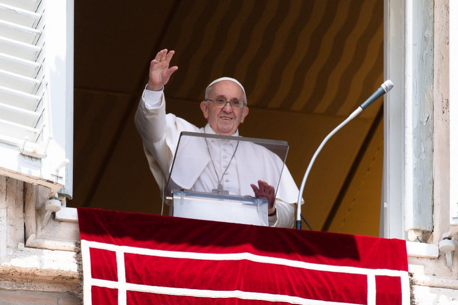 Pope Francis: With Our Small Offering, Jesus Can Do Great Things