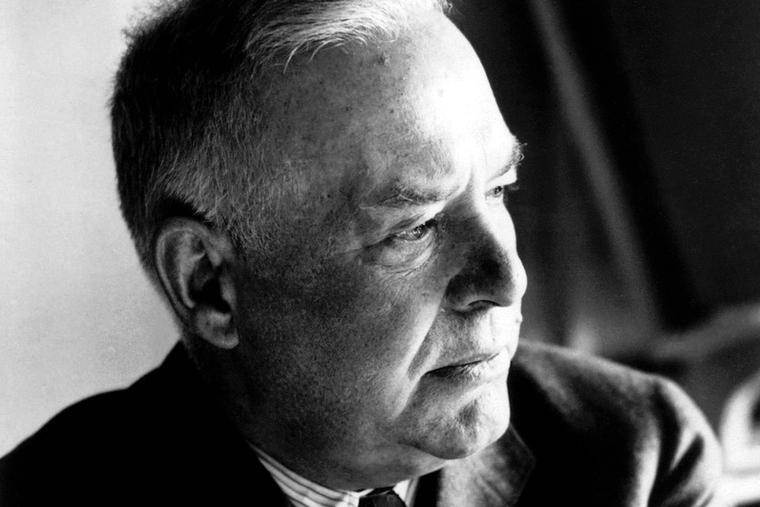 Photo portrait of American poet and Catholic convert Wallace Stevens (1879–1955).