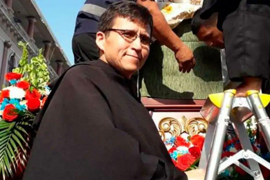 Father Wilson Malavé Parrales.