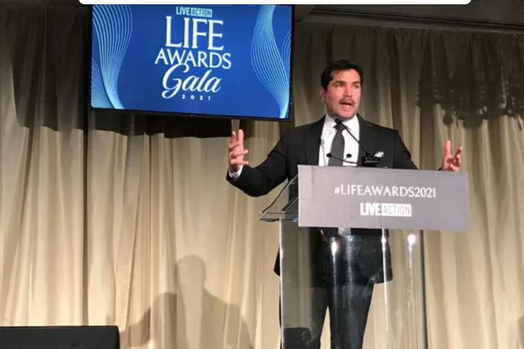 Actor Eduardo Verastigui addresses the 2021 Live Action Life Awards Gala on Aug. 21.