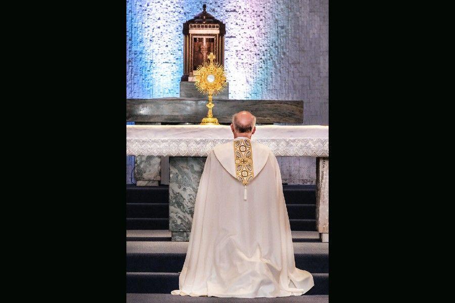 Archbishop Salvatore J. Cordileone of San Francisco, before the Monstrance in Eucharistic Adoration in 2021.