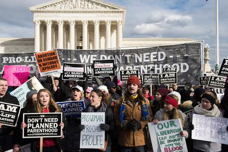 Justice Department Asks Supreme Court to Uphold Legal Abortion