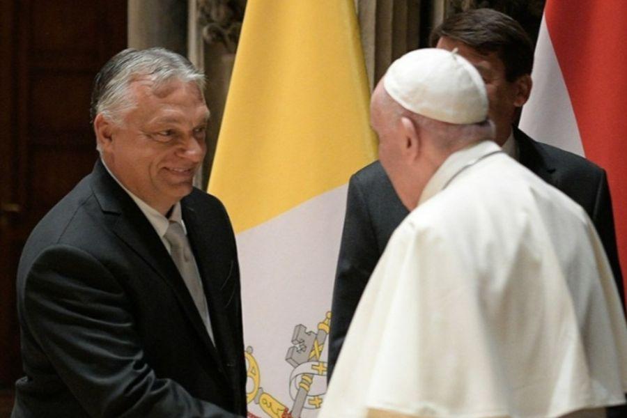 Pope Francis greets Hungarian Prime Minister Viktor Orbán and President János Áder in Budapest, Sept. 12, 2021.
