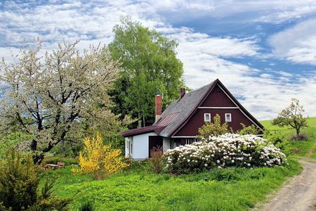 A Cottage Home Photo by Stanly8853 from Pixabay