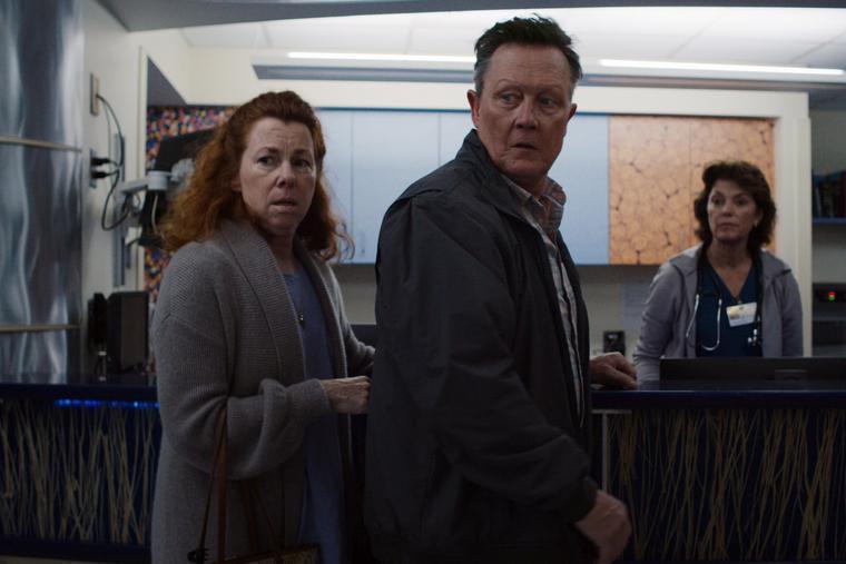 Siobhan Fallon Hogan and Robert Patrick star in 'Rushed.'