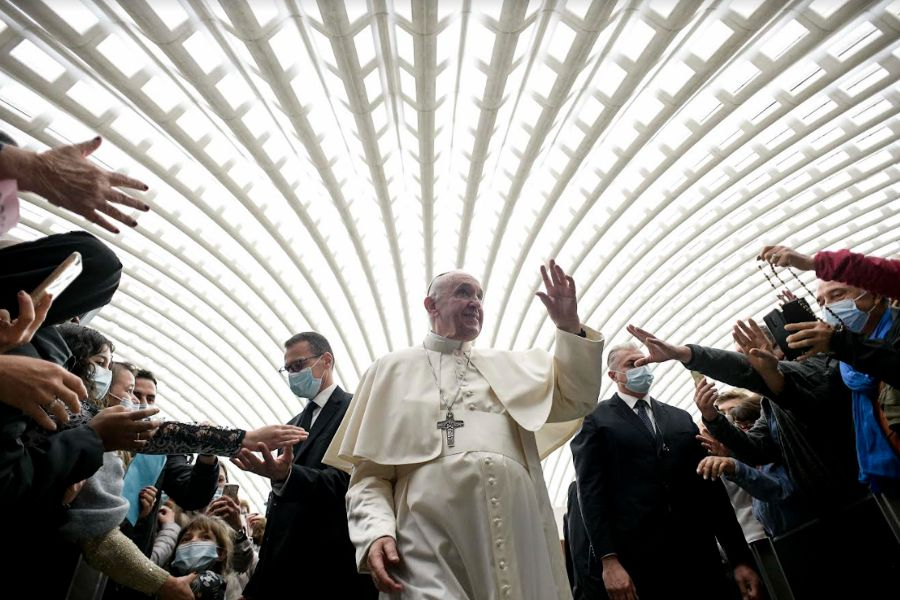 Pope Francis Asks Catholics to be 'More Courageous' in Tackling Crisis Exposed by COVID-19