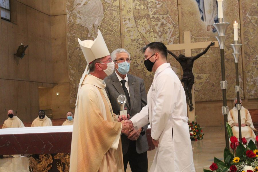 Catholic Doctor Honored for Service During COVID-19 Pandemic