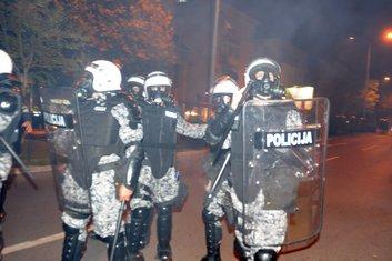 policija DF protest
