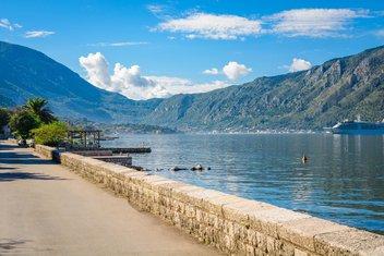 Boka Kotorska, lijepo vrijeme, sunčano