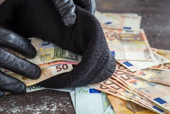 lopov, novac, pare, pljačka, krađa