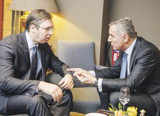 Aleksandar Vučić, Milo Đukanović