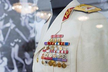 Josip Broz Tito, Titova uniforma