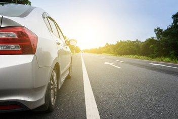 Auto, vožnja, putevi