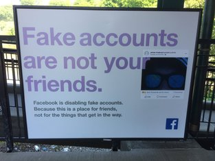Facebook, lažni profili