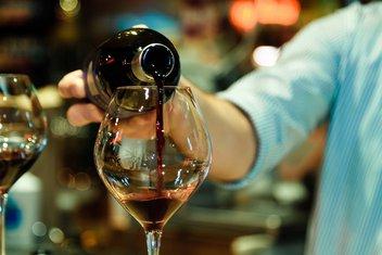 vino, čaša vina