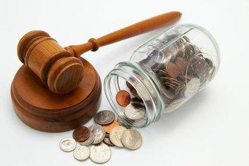novac, suđenje