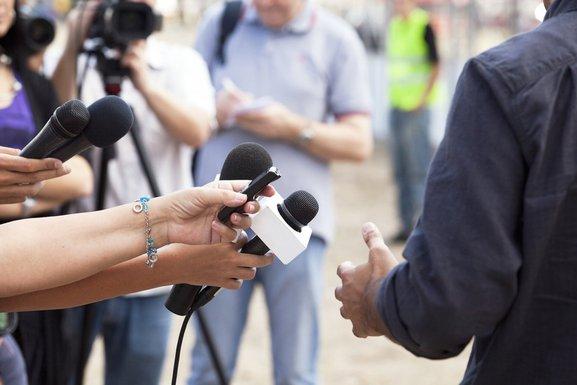 novinari, mediji