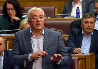 Premijerski sat, Andrija Mandić