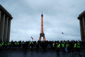 Protest Pariz, Žuti prsluci