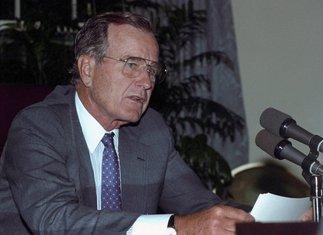Džordž Buš stariji 1990.