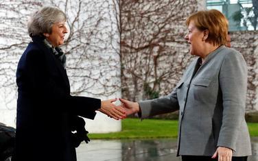 Tereza Mej i Angela Merkel