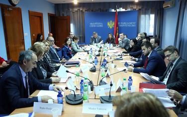 Vlada ne da pare za stanove: Odbor za politički sistem