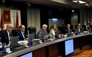 Na domaćem tržištu će pozajmiti oko 180 miliona eura: Sa sjednica Vlade