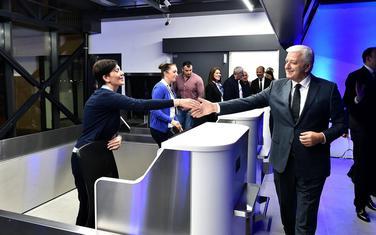 Marković sa radnicima Aerodroma...