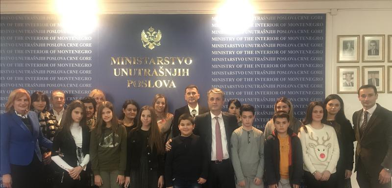 Nuhodžić sa porodicana preminulih policajaca