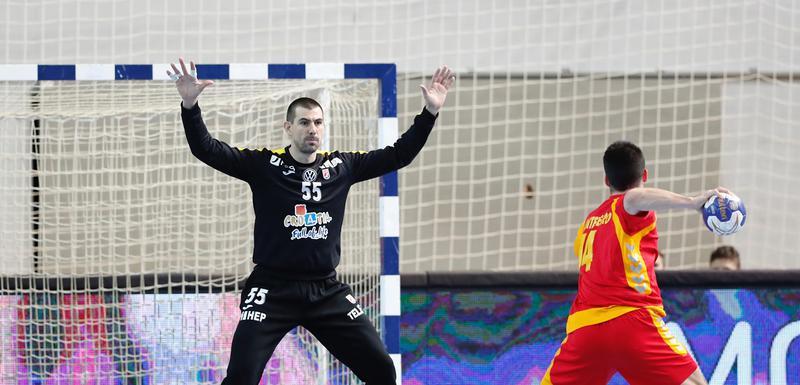 Najefikasniji sa sedam golova: Miloš Vujović izvodi sedmerac na večerašnjoj utakmici