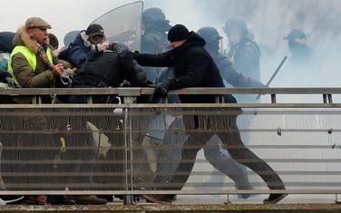 Kao odgovor na prikupljanje donacija za francuskog boksera: Milion eura za policiju