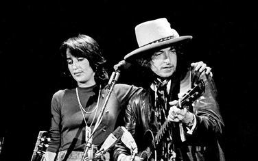 ilan i Džoan Baez na turneji Rolling Thunder Revue 1975.