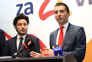 Dritan Abazović, Aleksa Bečić