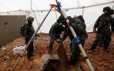 Izraelski vojnici na ulazu u tunel
