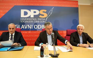I ranije bilo spornih donacija: Čelnici vladajućeg DPS-a