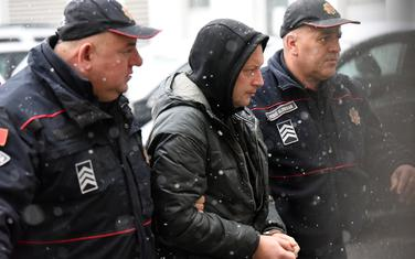 Policajci dovode Bakrača na saslušanje u tužilaštvo