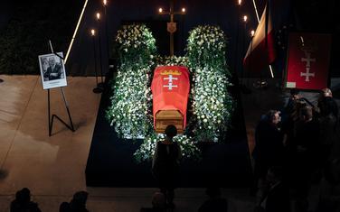 Kovčeg sa tijelom Pavela Adamoviča