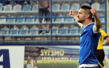 Miljan Vlaisavljević slavi gol za Sutjesku u finalu Kupa Crne Gore