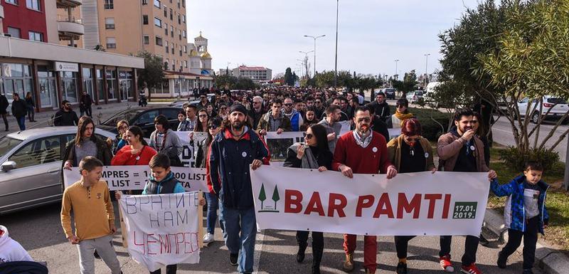 Sa protesne šetnje ulicama Bara