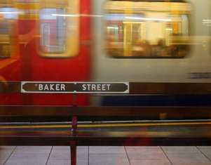 Metro stanica, Bejker strit