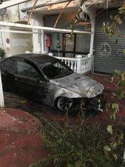 Izgorio auto, Sutomore