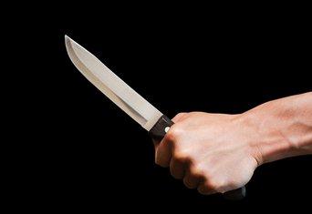 Čovjek nož