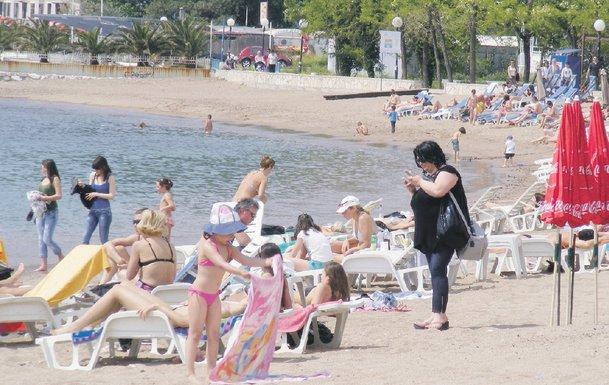 plaža budva predsezona